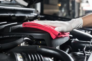 engine detailing, car engine cleaning, engine bay detailing, under hood cleaning