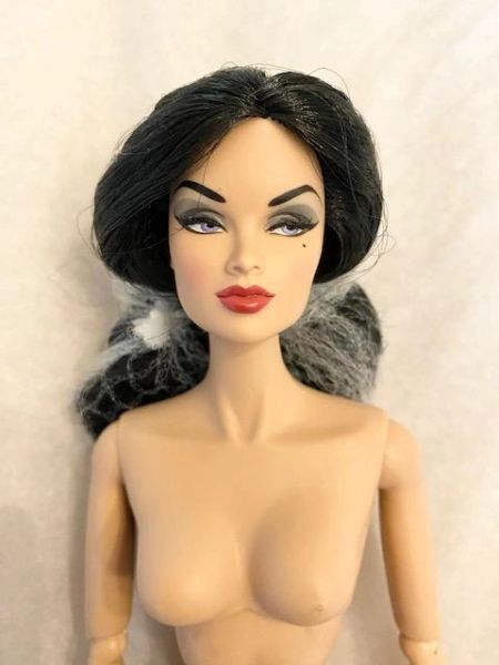 91320 GLAM VAMP ANJA--NUDE DOLL ONLY