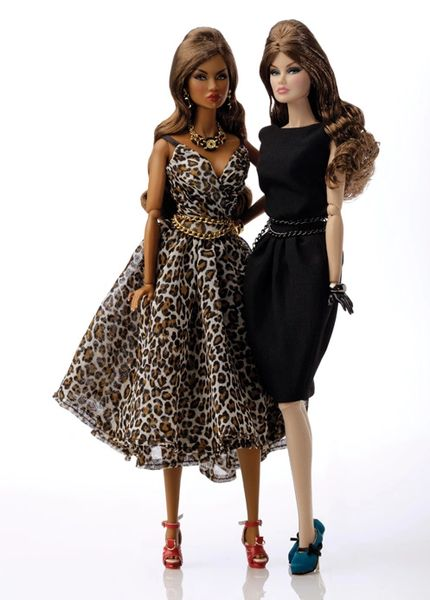91287 STYLE COUNSEL ADELE MAKEDA AND VERONIQUE PERRIN