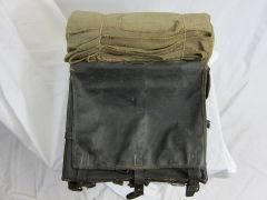 "Civil War - Confederate Knapsack with a North Carolina ""Butternut"" blanket, ID'd to George Hosmer, 2nd Reg. LA. M. V. Co. D. - ORIGINAL VERY RARE -"