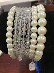Jewelry Crystal and Pearl Bracelet