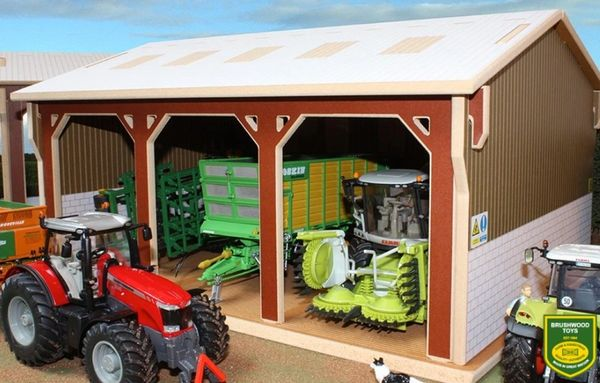BRUSHWOOD TOYS TRACTOR SHED BT5000