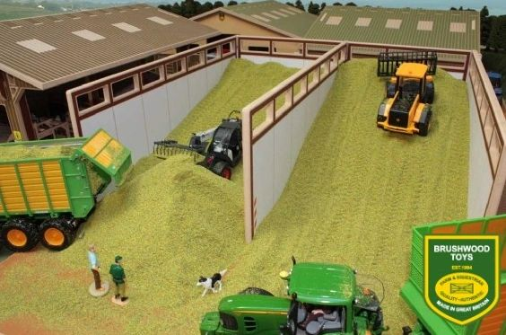 BRUSHWOOD TOYS MONSTER SILAGE CLAMP BT8500