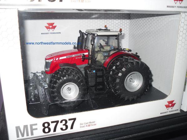 UH4284 1/32 Universal Hobbies Massey Ferguson 8737 Dual Wheels