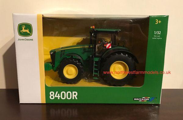 43174 BRITAINS FARM 1/32 SCALE JOHN DEERE 8400R TRACTOR
