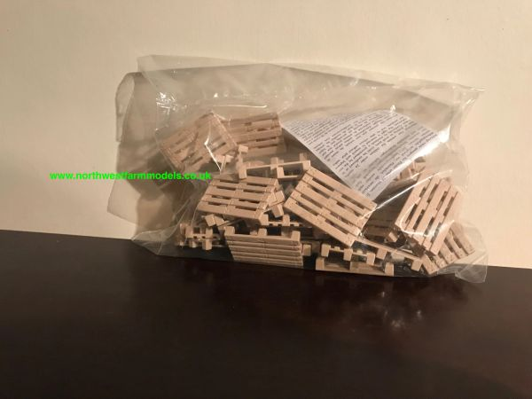 SIKU 1:32 SCALE PACK OF 50 PALLETS