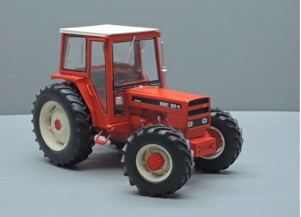 REPLICAGRI 1:32 SCALE RENAULT 851-4 4WD MODEL TRACTOR