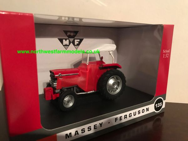 UNIVERSAL HOBBIES 5292 1:32 SCALE MASSEY FERGUSON 135 WITH SIROCCO LIMITED