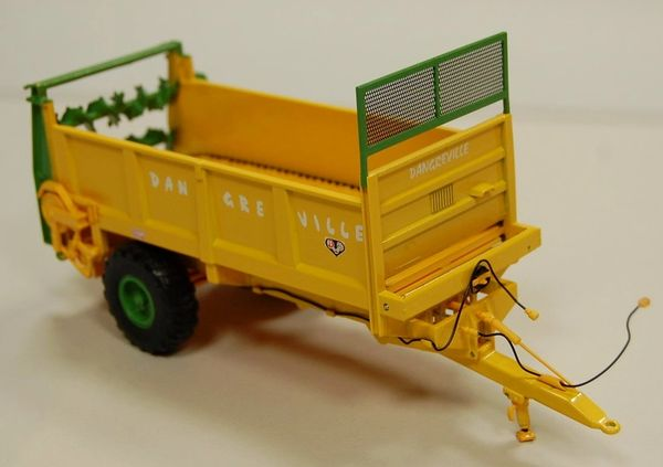 ROS 60222 1:32 SCALE DANGREVILLE ETB DC7000 REAR DISCHARGE SPREADER