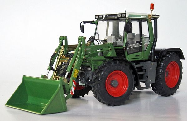 WEISE TOYS 1019 1:32 SCALE FENDT XYLON 522 WITH FRONT LOADER