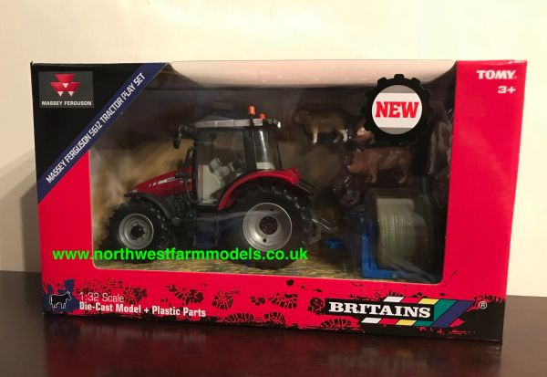 BRITAINS FARM 1:32 SCALE 43205 MASSEY FERGUSON 5612 TRACTOR AND PLAY SET