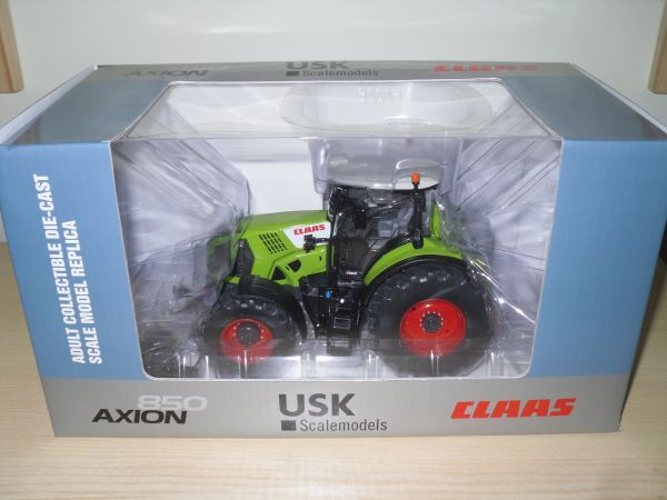 1/32 USK Scalemodels CLAAS 850 AXION Tractor Including Front Weight