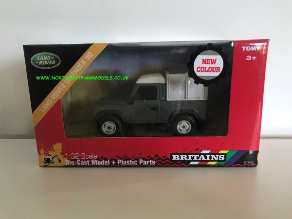 BRITAINS 42732A1 1:32 SCALE LAND ROVER DEFENDER 90 **NEW**