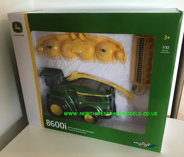 BRITAINS 43198 1:32 JOHN DEERE 8600i FORAGE HARVESTER WITH GRASS AND MAIZE HEADER