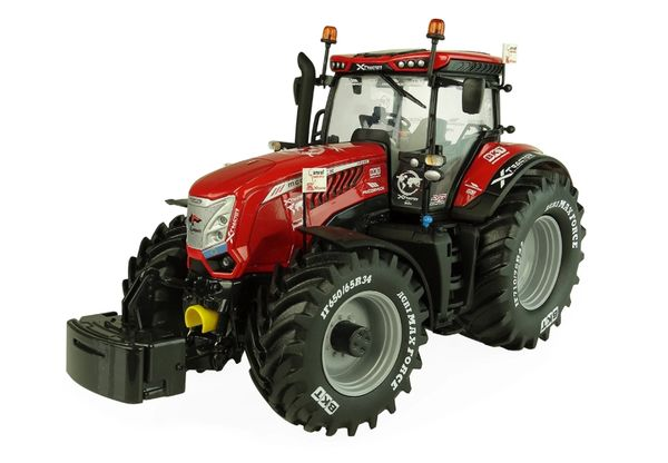 """UNIVERSAL HOBBIES 5328 1:32 SCALE McCORMICK X8 TRACTOR """"SOUTH AFRICA"""" EDITION"""