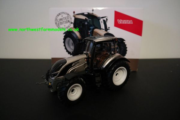 WIKING 1:32 SCALE VALTRA T234 ACTIVE UNLIMITED (CHAMPAGNE) LIMITED EDITION