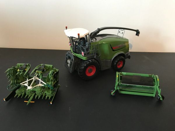 WIKING 1:32 SCALE FENDT KATANA 65 FORAGE HARVESTER