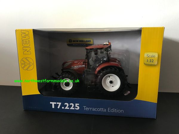 UNIVERSAL HOBBIES 5376 1:32 SCALE NEW HOLLAND T7.225 TERRACOTTA LIMITED EDITION