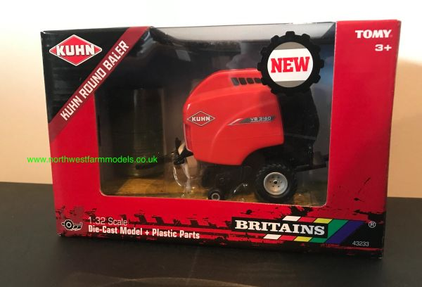 BRITAINS 43233 1:32 SCALE KUHN ROUND BALER WITH 2 BALES