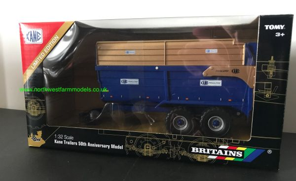 BRITIANS 1:32 SCALE KANE 50TH ANNIVERSARY LIMITED EDITON SILAGE TRAILER (BLUE/GOLD)