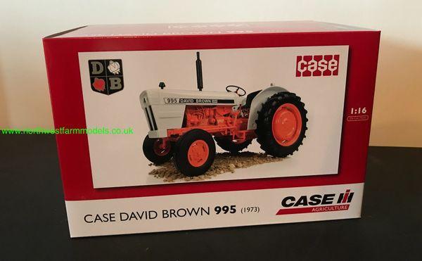 "UNIVERSAL HOBBIES 4885 1:16 SCALE DAVID BROWN 995 (1973) ""DEALER BOX"""
