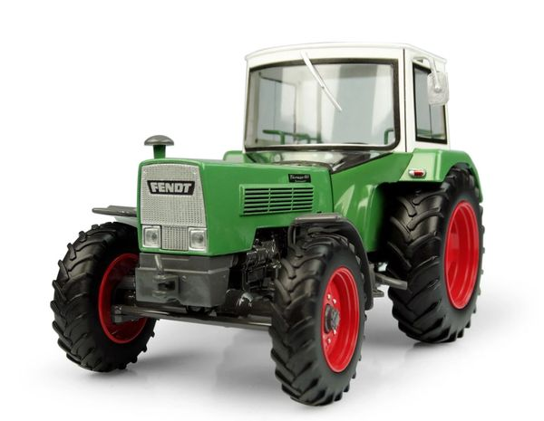 UNIVERSAL HOBBIES 5312 1:32 SCALE FENDT FARMER 106S TURBOMATIK WITH 611 CAB