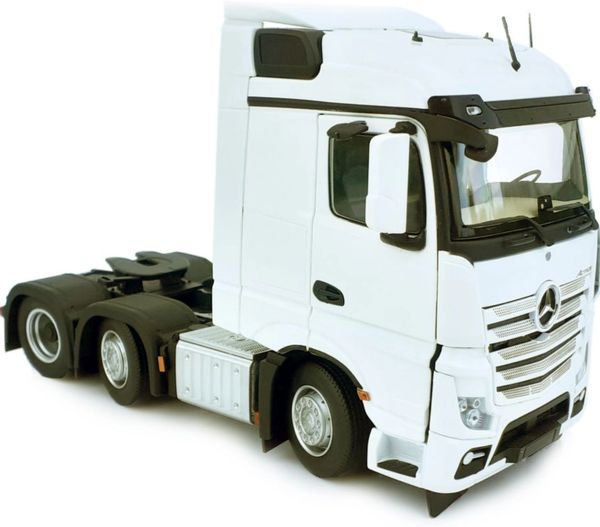 MARGE MODELS 1908-01 1:32 SCALE MERCEDES-BENZ ACTROS STREAMSPACE 6x2 WHITE