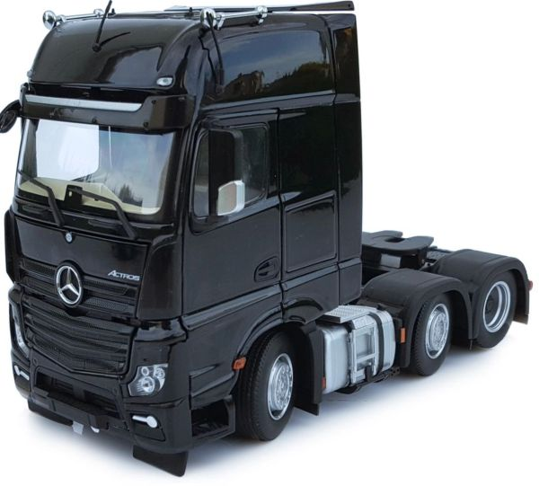 MARGE MODELS 1912-02 1:32 SCALE MERCEDES-BENZ ACTROS GIGSPACE 6x2 BLACK
