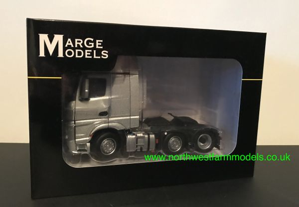 MARGE MODELS 1912-03 1:32 SCALE MERCEDES-BENZ ACTROS GIGSPACE 6x2 SILVER