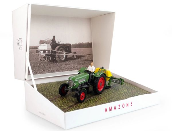 UNIVERSAL HOBBIES 6201 1:32 SCALE AMAZONE S300 SPRAYER BOX SET WITH FENDT FARMER 2 AND DRIVER