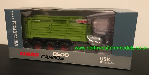 USK SCALEMODELS 1:32 SCALE CLAAS CARGOS 8500 TRIPLE AXLED FORAGE WAGON