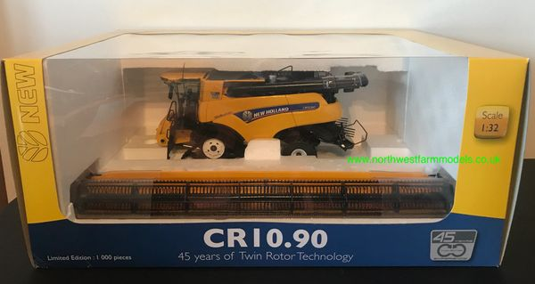 "UNIVERSAL HOBBIES 6218 1:32 SCALE NEW HOLLAND CR10.90 ""REVELATION"" COMBINE ""45 YEARS OF TWIN ROTOR TECHNOLOGY"""