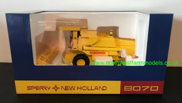 REPLICAGRI 1:32 SCALE NEW HOLLAND 8070 COMBINE HARVESTER