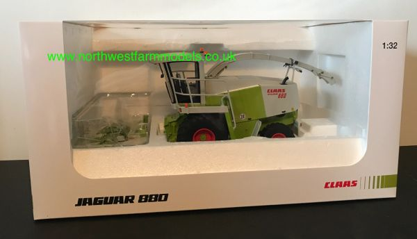 UNIVERSAL HOBBIES 1:32 SCALE CLAAS JAGUAR 880 WITH RU 600 MAIZE HEADER LIMITED EDITION