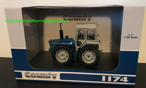 UNIVERSAL HOBBIES 5271 1:32 SCALE COUNTY 1174
