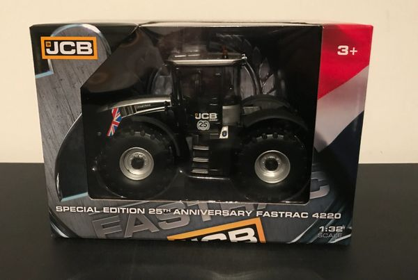 BRITAINS FARM 43256 1:32 SCALE JCB 4220 FASTRAC SILVER EDITION