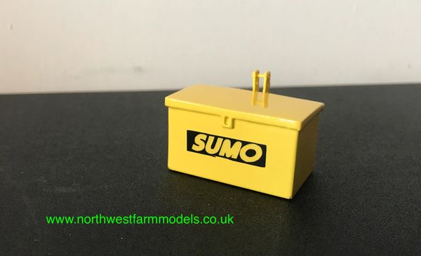 1:32 SCALE TOOLBOX ATTACHMENT YELLOW WITH SUMO LOGO