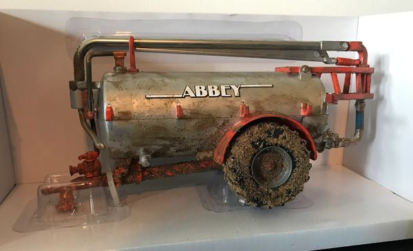BRITAINS 1:32 SCALE ABBEY ROADSIDE SLURRY TANKER WEATHERED CONVERSION