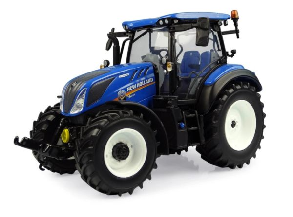 UNIVERSAL HOBBIES 5360 1:32 SCALE NEW HOLLAND T5.130