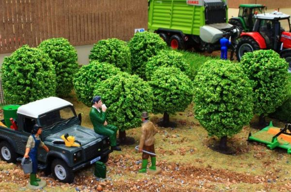 BRUSHWOOD TOYS 1:32 SCALE BT3025 ORCHARD TREES