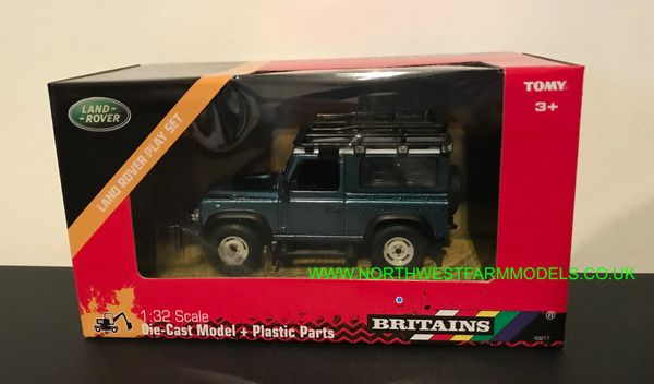BRITAINS 1:32 SCALE 43217 LAND ROVER DEFENDER WITH ROOF RACK