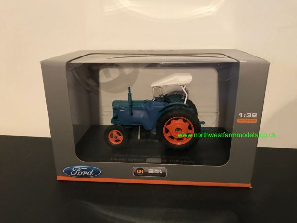 UNIVERSAL HOBBIES 5306 1:32 SCALE FORDSON POWER MAJOR WITH SIROCCO CAB