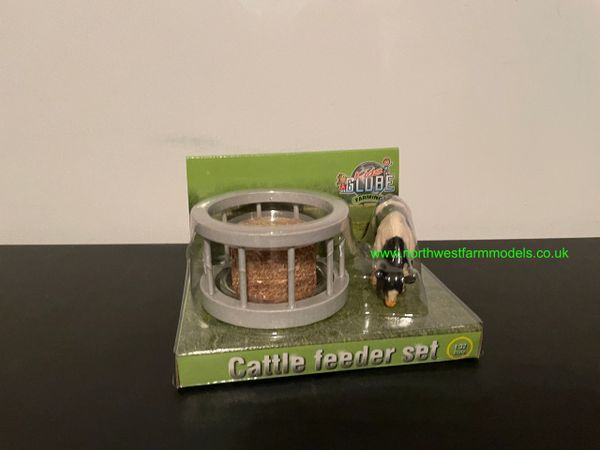 KIDS GLOBE 1:32 SCALE RING FEEDER WITH BALE AND COW