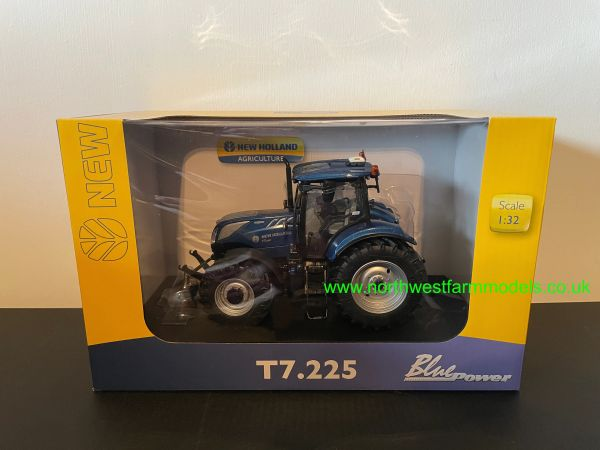 UNIVERSAL HOBBIES 1:32 SCALE 4976 NEW HOLLAND T7.225 BLUE POWER