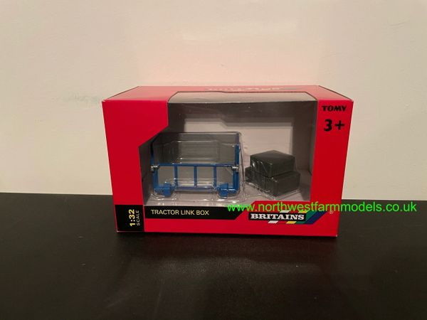 BRITAINS 1:32 SCALE TRANSPORT BOX WITH BALES
