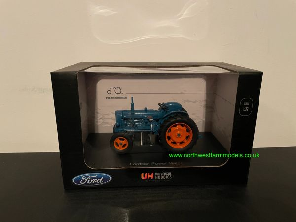 UNIVERSAL HOBBIES 2636 1:32 SCALE FORDSON POWER MAJOR