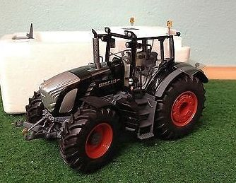 WIKING 1/32 SCALE FENDT 939 *BLACK BEAUTY* LIMITED EDITION