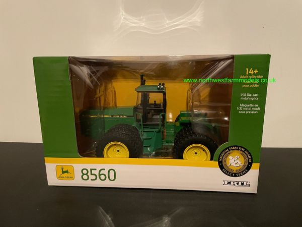 BRITIANS ERTL 1:32 SCALE 45751 JOHN DEERE 8560 4WD TRIPLE WHEELED 2020 FARM SHOW EDITION