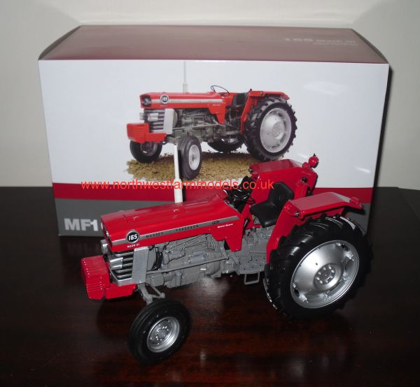 UNIVERSAL HOBBIES 1/16 SCALE MASSEY FERGUSON 165 MARK III