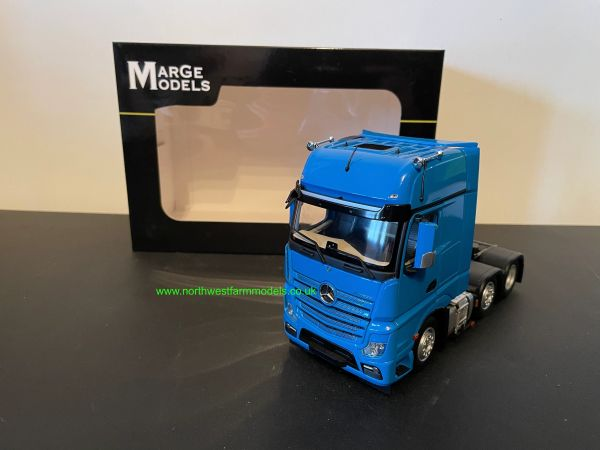 MODEL MODELS 1:32 SCALE MERCEDES BENZ ACTROS GIGASPACE 6X2 BLUE